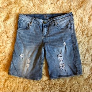 Kut from the Kloth Distressed Denim Short Size 4